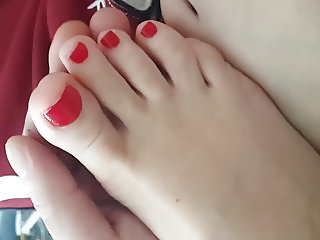 Love to Play w cute Gf's hot red toes