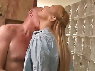 STP3 Daddy Seen In Shower Fucks His Horny Girl !