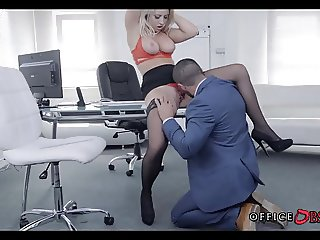 Blonde MILF in Stockings gets Fucked during Lunch Break