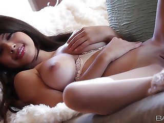 Babes.com - TOUCH OF JOY - Layla Rose