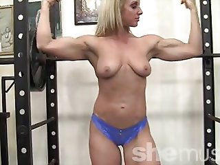 Mature Blonde With Killer Body Working Out