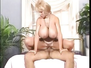 Deena Duos - The Very Best Busen Extra