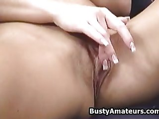 Busty Tera Jerkoff her pussy