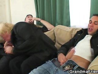 Two buddy pick up and fuck boozed granny