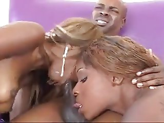 EBONY THREESOME (2 GIRLS ONE GUY)