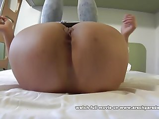 Monabell stretching in tight jeans