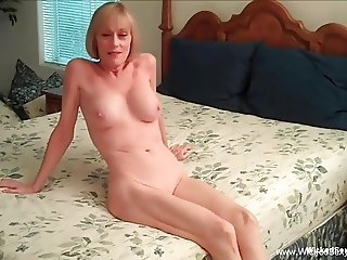Beautiful Amateur GILF Legend