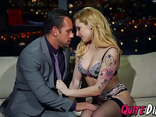 Tattooed blonde babe Dahlia Sky gets her wet pussy licked