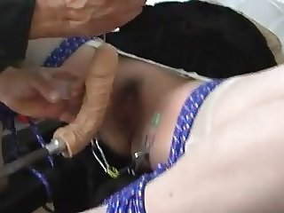 Bdsm Fucking machine and squirt