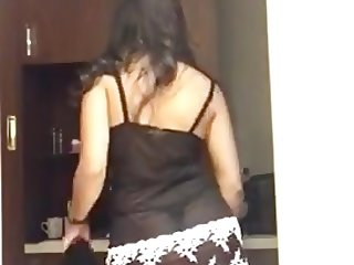 Desi babe strips so sit tight. Never seen before