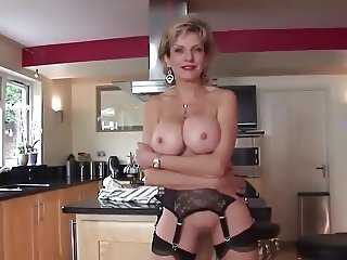 British MILF Wants You To Keep On Wanking It