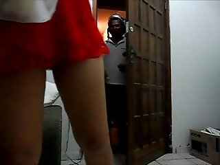 Brazilian Wife Without Panties For The Delivery Guy