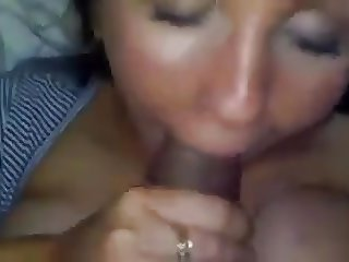 Good girl knows how to suck