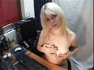 sister makes sex webcam