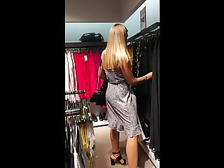 blonde shopping