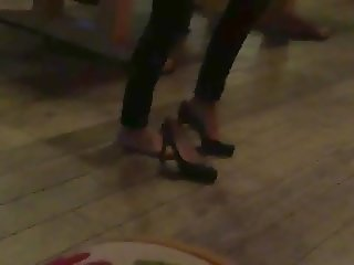 dance bare feet and put her pump