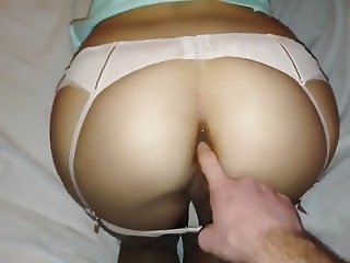 He pulls her hair and fuck her asshole
