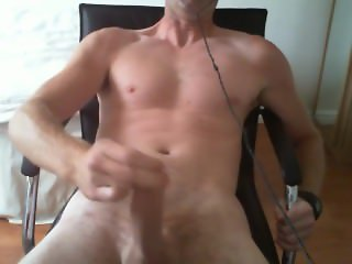 Quick wank and cumshot after work over a webcam hoe