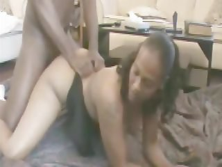 MrNuttz Makes A Big Booty Bitch Squirt Violently