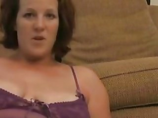 Amateur Annabelle Flowers shows off her pussy and asshole