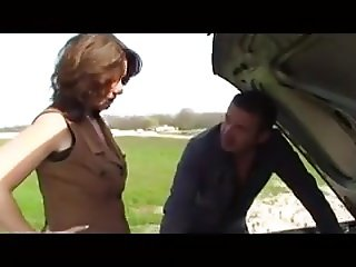 Mature euro slut fucks under the bridge
