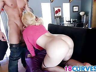 Blonde PAWG Victoria Paradice Gets The Hog