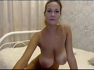 Slim Stacked Cam Girl Rides Dildo