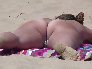 Nudist Milfs Spycam Hidden Beach Voyeur Close-Ups