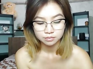Beautiful Korean camgirl has INSANE orgasms from her toy