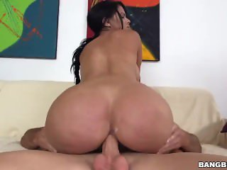 Diamond Kitty Gets Hard Anal
