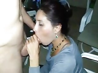 Cuckold Films Wife Giving Head to a Another Man (HD)