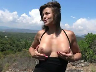 Hot Naughty Hiking - Randonnée coquine by Vic Alouqua