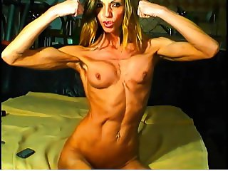 Super sexy muscular girl show pussy