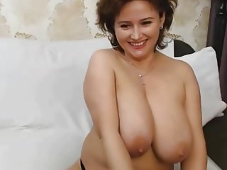 bijouceline big boobs on cam