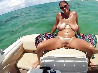 Amateur Boat Fun 2.mp4