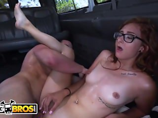 BANGBROS - The Bang Bus Helping Out An Out Of Towner Named Kadence Marie