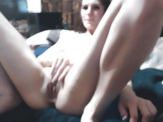 Skinny Girl gets stretched