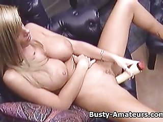 Busty amateur Tera masturbates her pussy