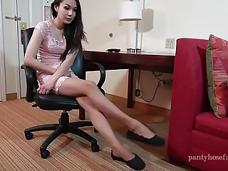 Lucy Pantyhose Shoeplay