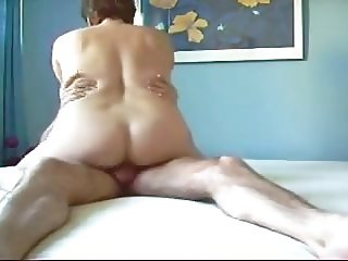 Moaning Mature Squirts