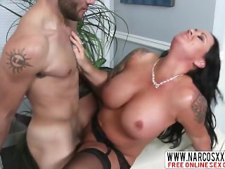 Enduring Mama Maci Maguire In Stockings Creampie
