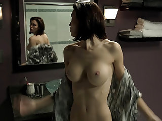 Christy Carlson Romano Nude Boobs And Butt In Mirrors Movie