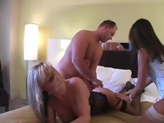 Amateur Threesome in Hotel