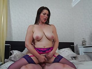Amateur mature moms deep pounded by boys