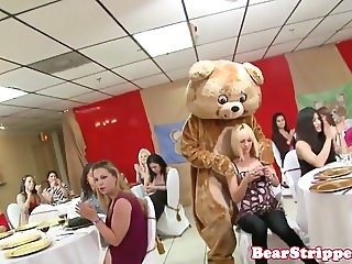 OMG gf sucking strippers cock at bday party