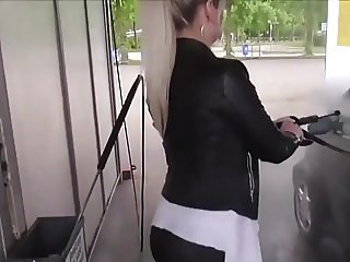 Teen in leggings washes her car and fucks in public