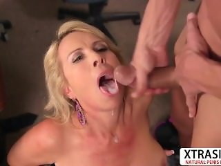 Nasty Milf Laura Layne Gives Blowjob Sweet Teen Son's Friend