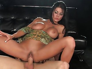Hot & Sexy Tia - Smoking sex