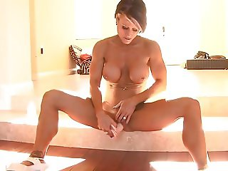 Milf enjoys her dildo