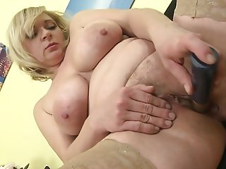 Real bigtit mother feeding her pussy